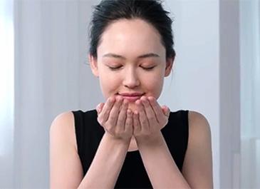 Vidéo de la méthode d'application des huiles visages